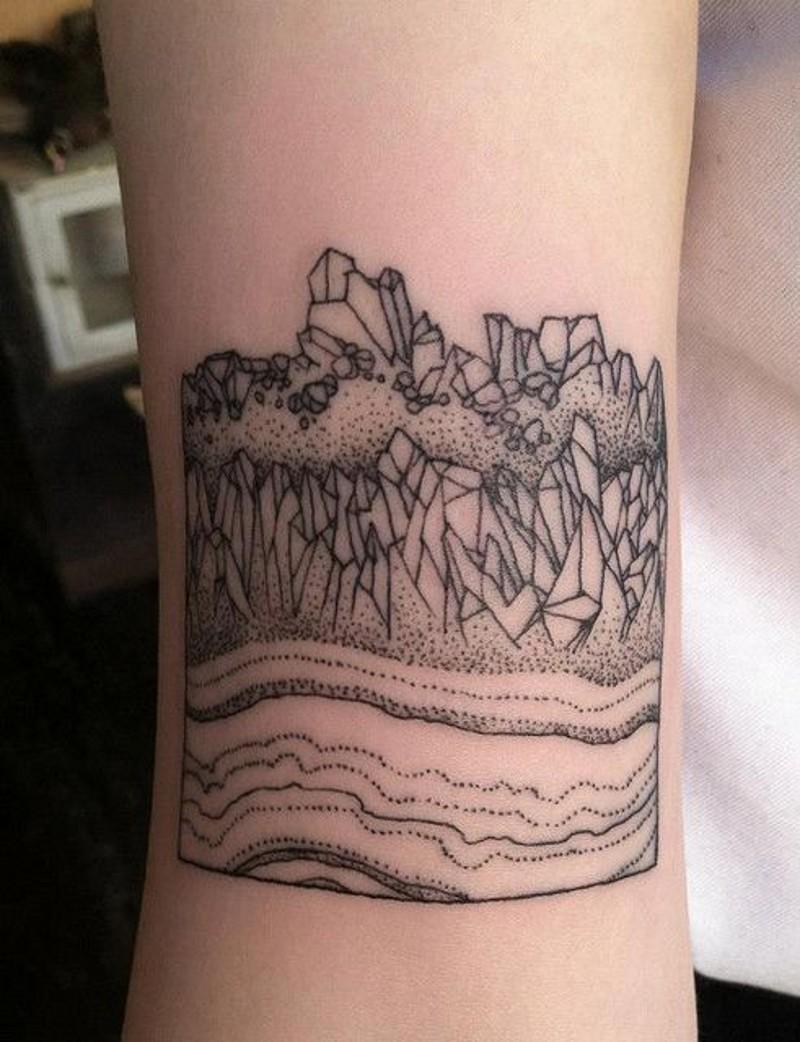 grande inchiostro nero semplice paesaggio tatuaggio su polso