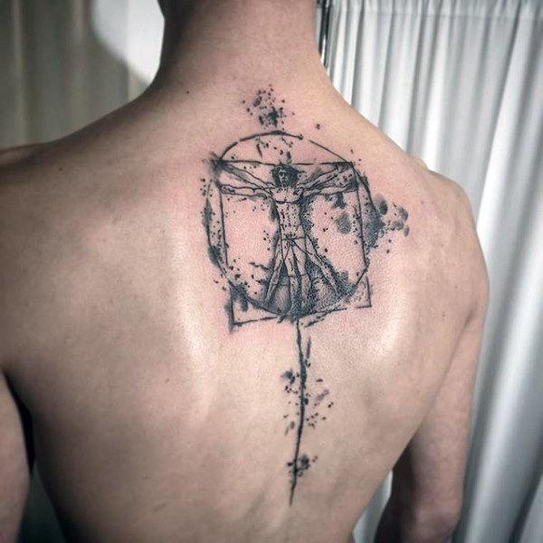 Tatuaggio di inchiostro nero come il Vitruviano