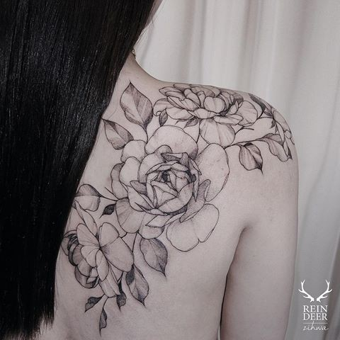 Big impressive painted by Zihwa tattoo of cool flowers