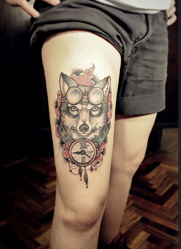 Big old school funny wolf tattoo on thigh combined with vintage clock