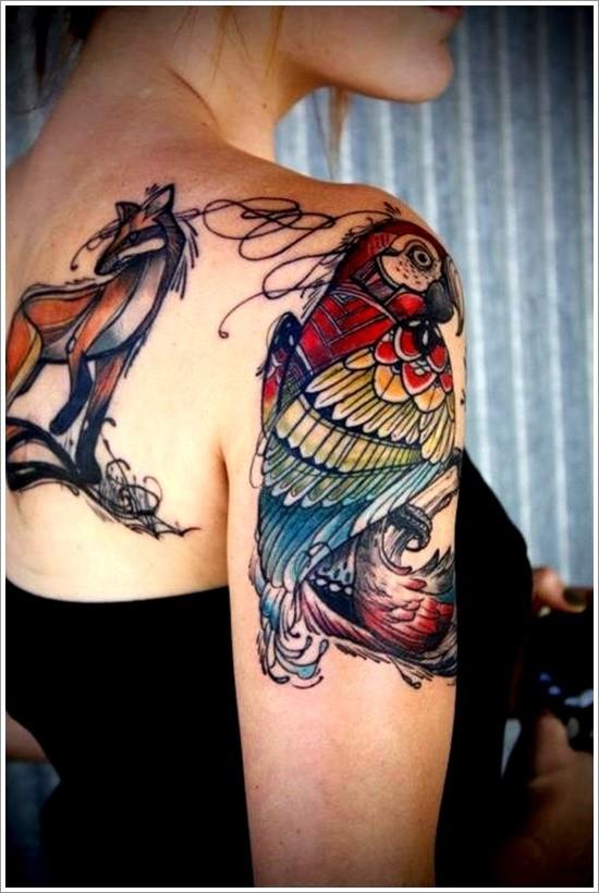 Tatuaggio grande l&quotuccello colorato