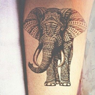 Tatuaggio stilizzato sul braccio l&quotelefante