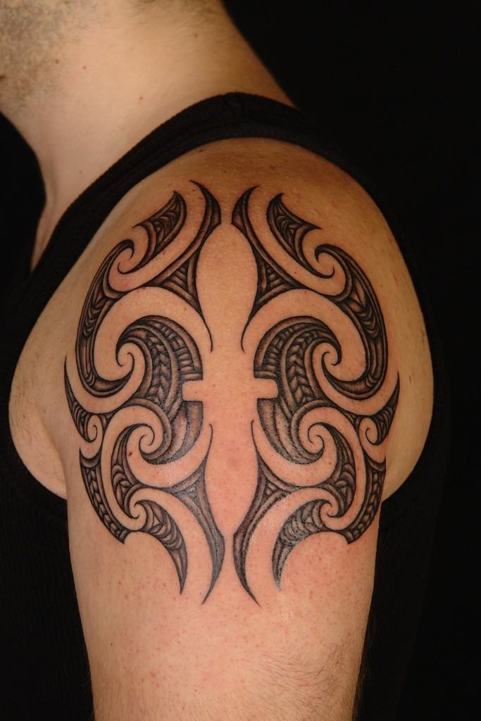 black ink fleur de lis tattoo on shoulder. Black Bedroom Furniture Sets. Home Design Ideas