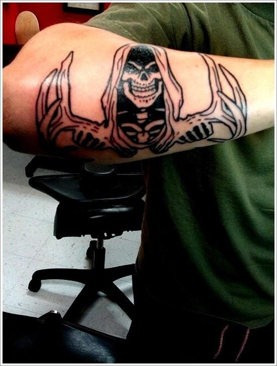 inchiostro nero triste mietitore avambraccio tatuaggio