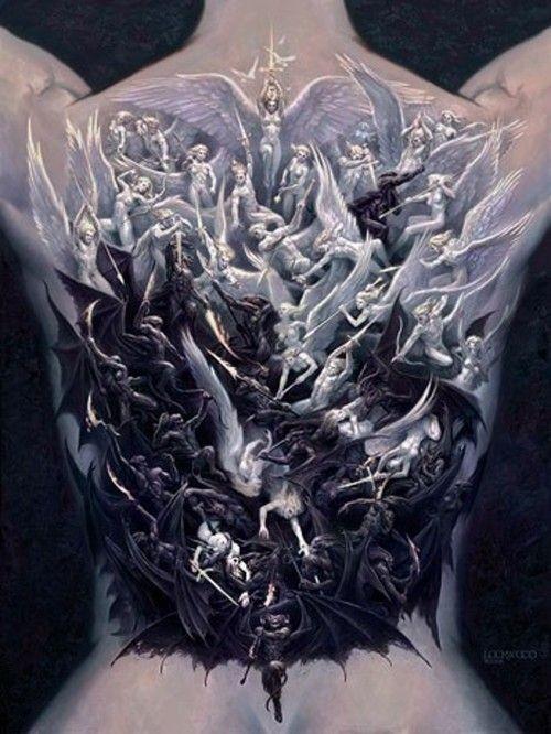 mozzafiato dipinto molto dettagliato angeli combattente con demoni tatuaggio pieno di schiena
