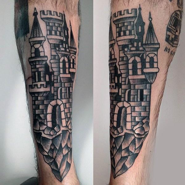 Tatuaje en la pierna, torre anciano precioso de colores negro y blanco
