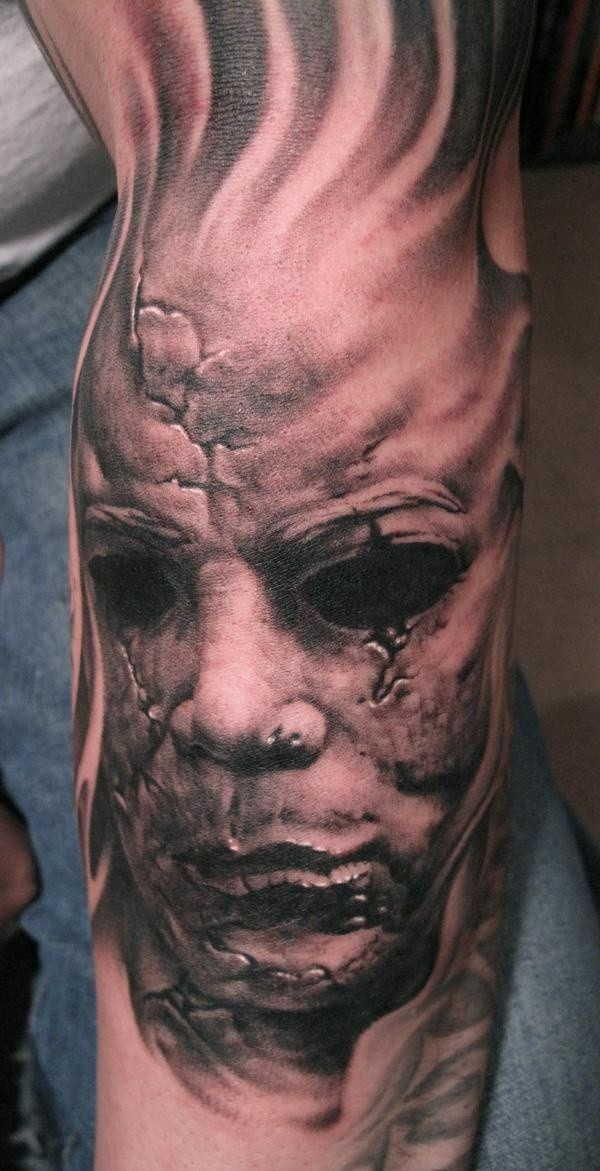 classico orrore tatuaggio avambraccio di Paul Booth