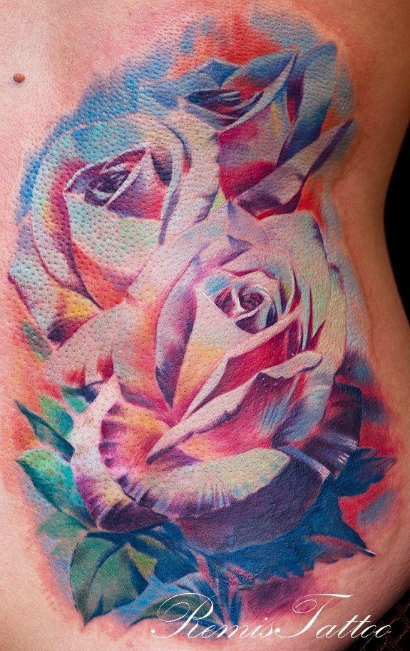 Tatuaggio pittoresco sulla pancia le rose grande