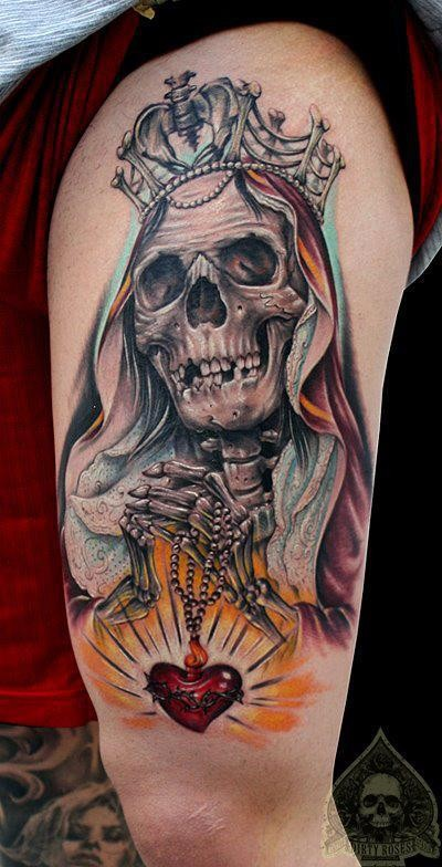 Colored big skeleton on queen tattoo on thigh with red heart