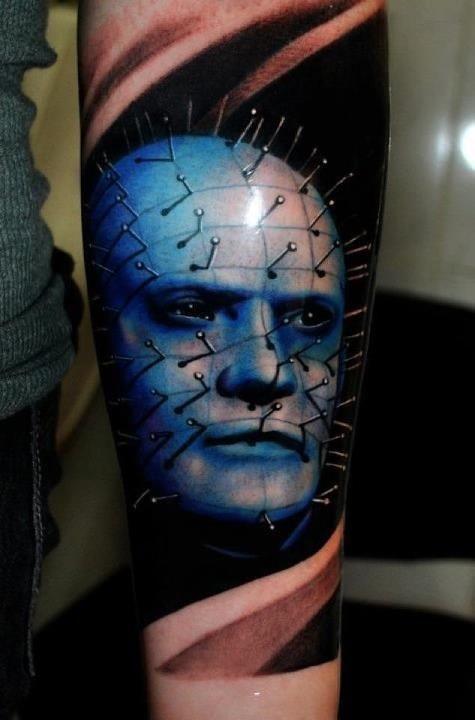 film orrore colorato da hellraiser tatuaggio