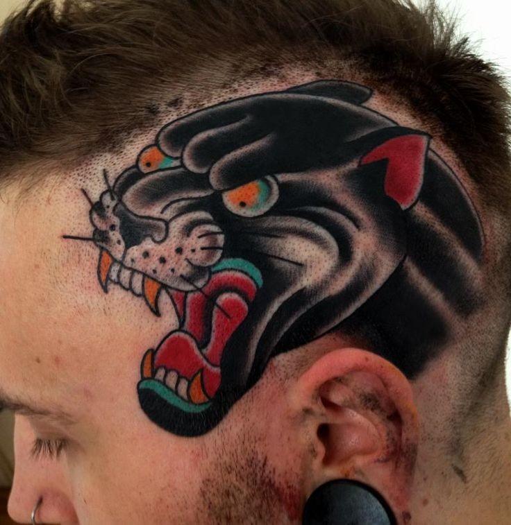 colorato testa aggressiva  pantera nera tatuaggio sulla testa