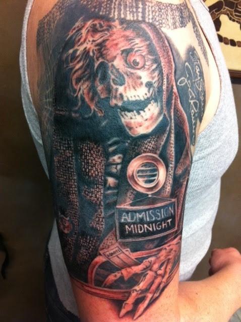colorato incubo tatuaggio  a mezzamanica