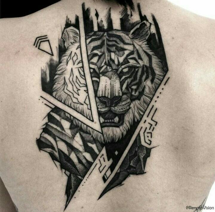 Tatuaggio in grande stile sul retro della tigre demoniaca