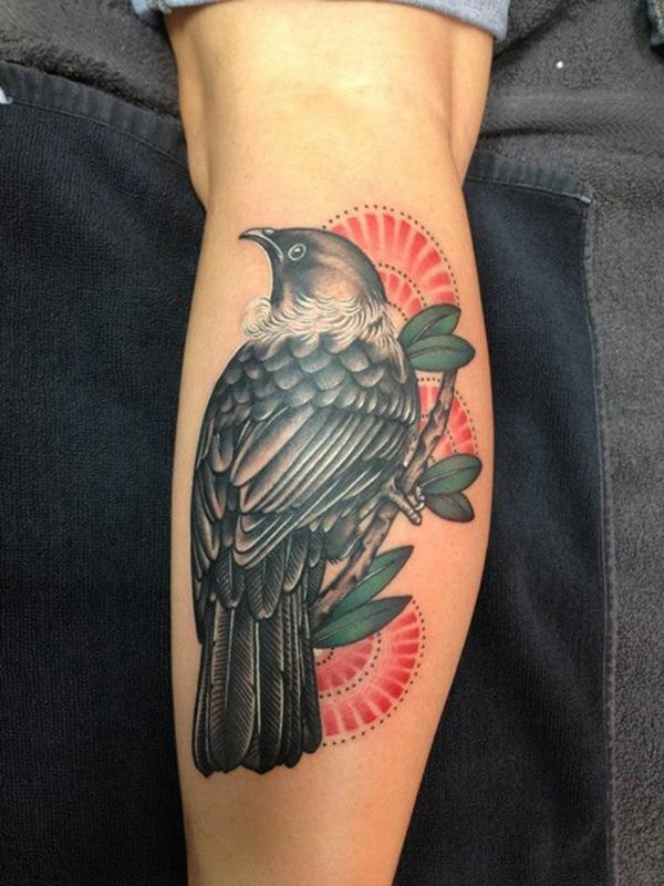 fresco uccello su albero tatuaggio per uomo su braccio