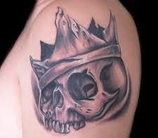 fresco corona tatuaggio ed incredibile cranio