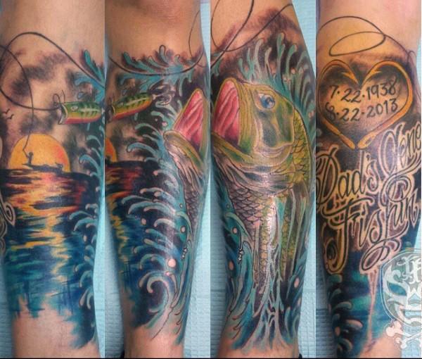 fantastico memoriale a tema pesca tatuaggio colorato con lettere