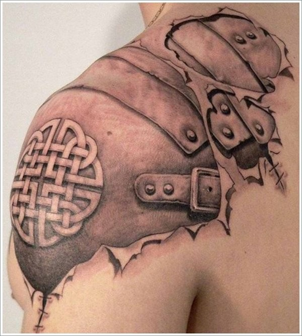 Cool idea of celtic knot tattoo on shoulder