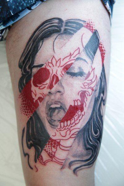 fresca idea di ritratto donna tatuaggio sulla coscia