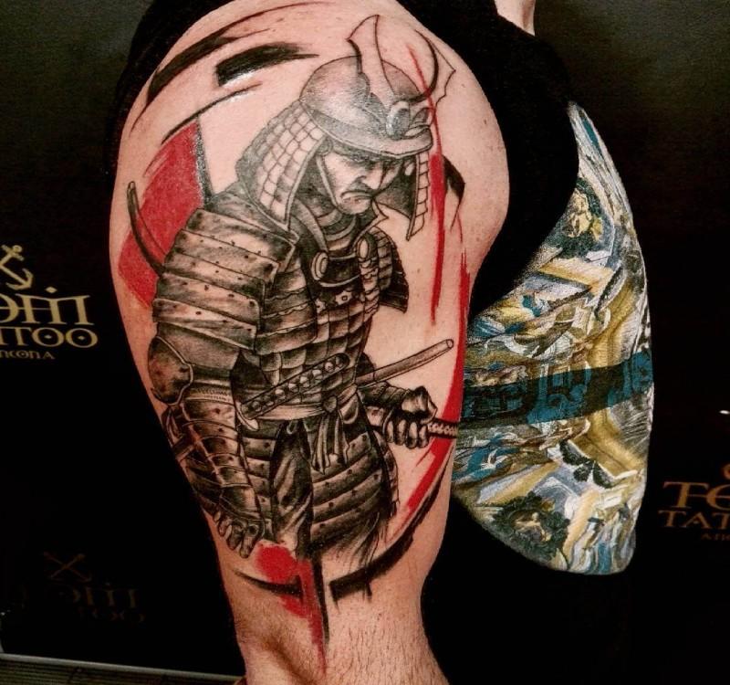 Tatuaggio del samurai soldato colorato in stile creativo