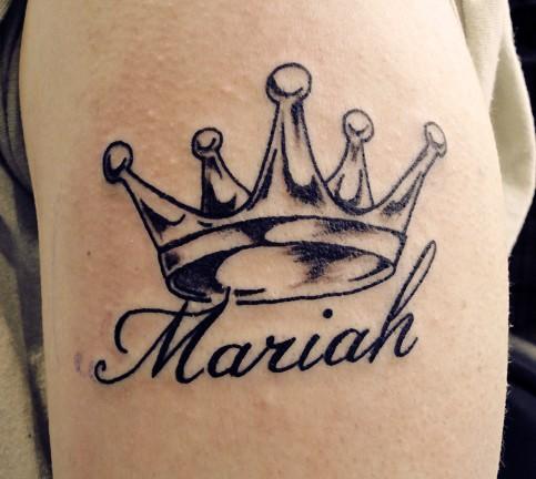 Crown and name mariah tattoo