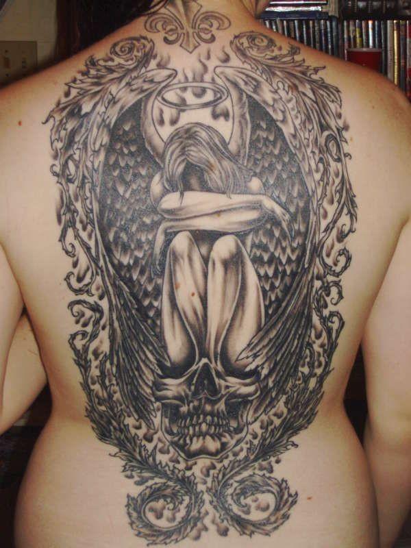 bel angelo ragazza piangendo in cornice tatuaggio pieno di schiena