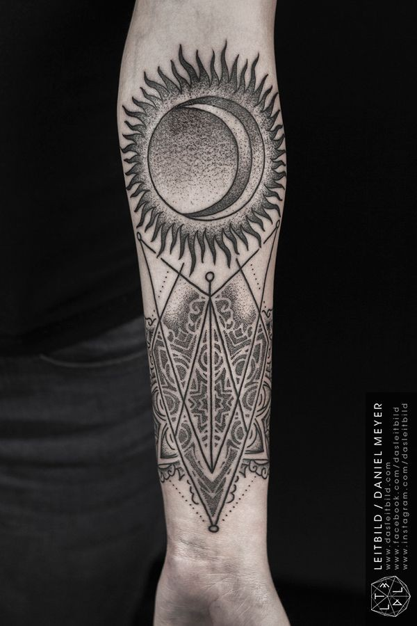 Cult style little half sun half moon with ornament tattoo for Half sun half moon tattoo
