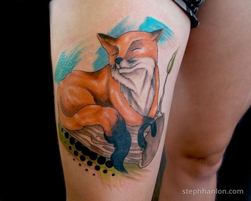 Cute illustrative style thigh tattoo of sweet fox