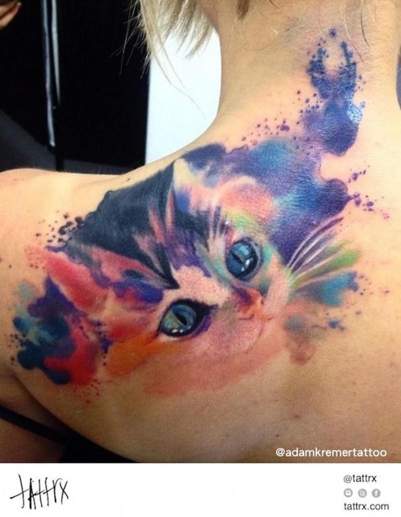 carino acquerello stilizzato gattino tatuaggio su spalla