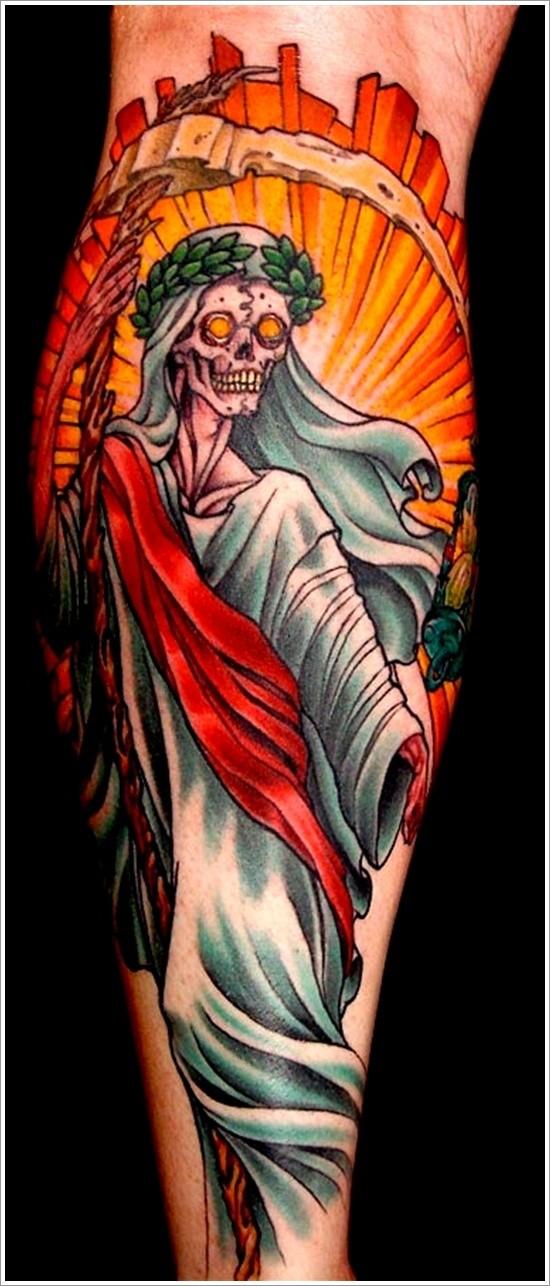 la morte in lenzuolo e in corona di lauro tatuaggio