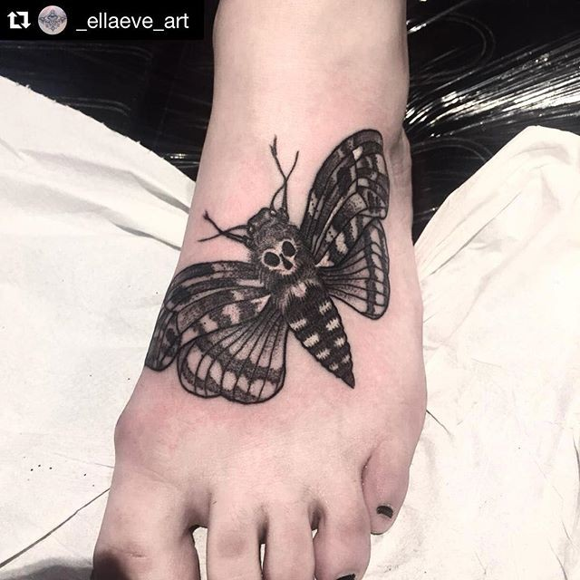 e99fcd8415ee4 Detailed moth decorated with skull dark tattoo on foot ...