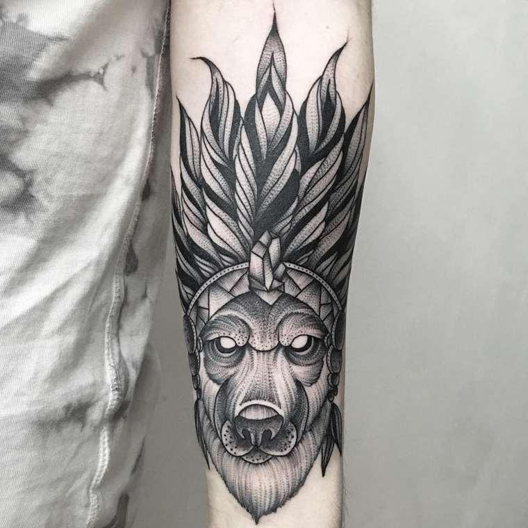 Tatuaje En El Antebrazo Lobo Unico En Sombrero Indio Tattooimages Biz