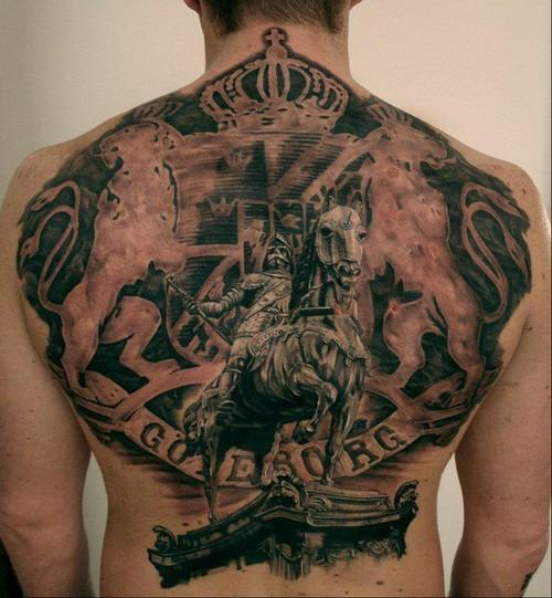 fantastico splendido nativo Inglese tatuaggio sulla schiena