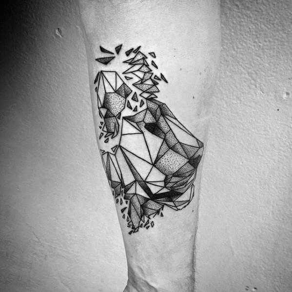 Tatuaggio del braccio di inchiostro nero di stile geometrico della statua della testa di leone