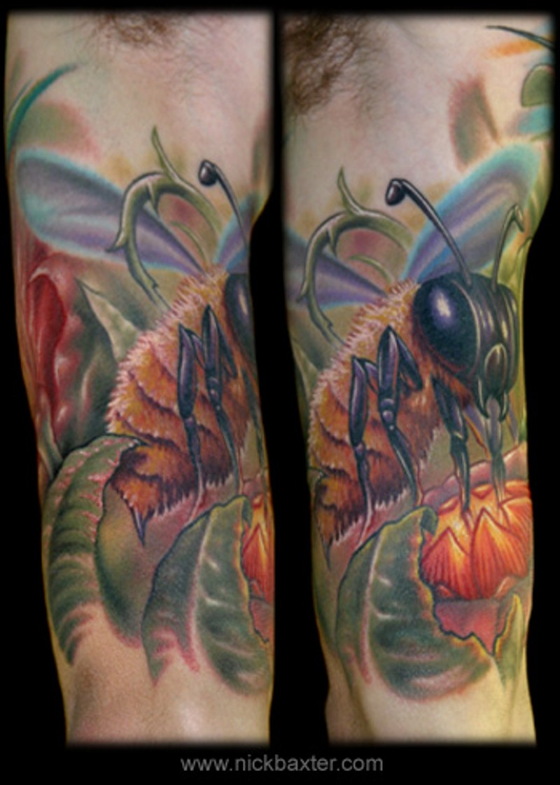 Giant macro naturally colored bee on flower colorful tattoo on biceps