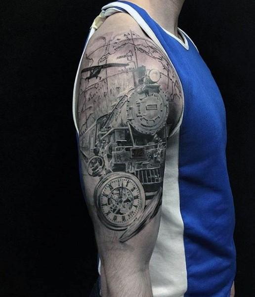 Tatuaje en el brazo,  tren espléndido realista con reloj de bolsillo