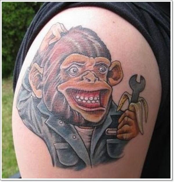grande cartone animato scimmia meccanico tatuaggio su spalla