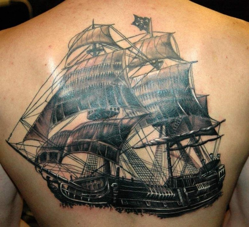 Great pirate ship on whole back