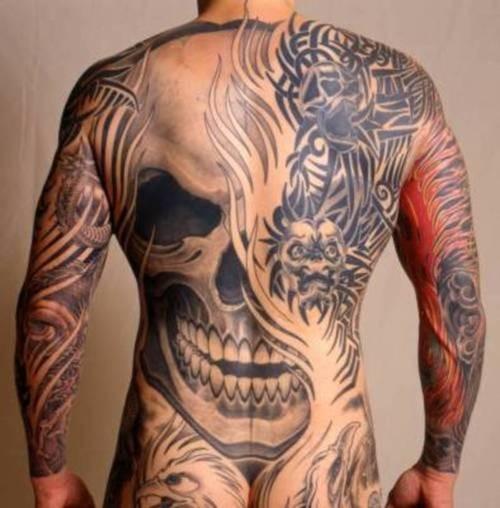 Great skull tattoo on whole back