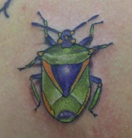 scarabeo blu verde tatuaggio