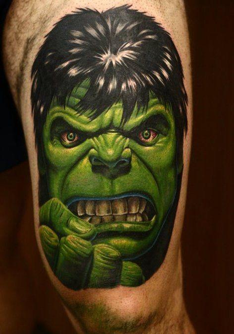 Hulk verde orrore tatuaggio su gamba