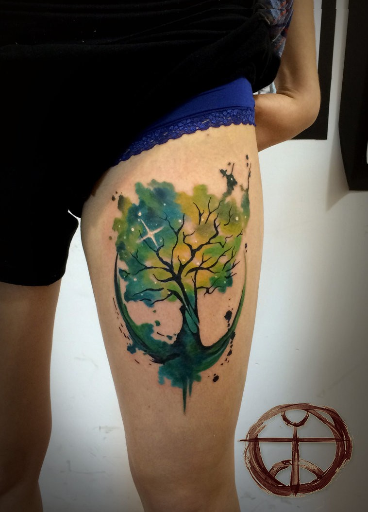 Green tree by koraykaragozler