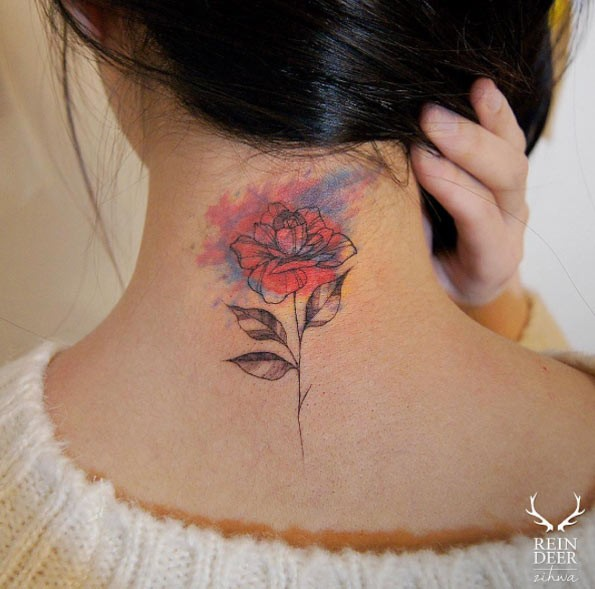 Half colored nice looking p[painted by Zihwa tattoo of rose