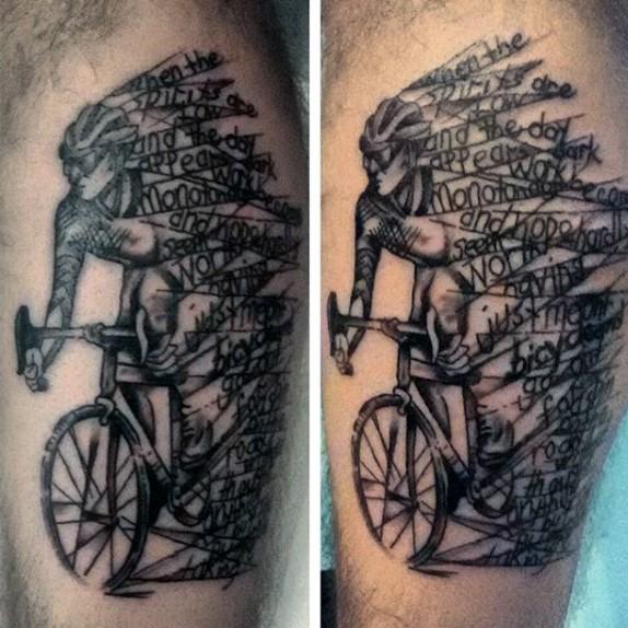 Tatuaje en la pierna, ciclista con cintas en bicicleta