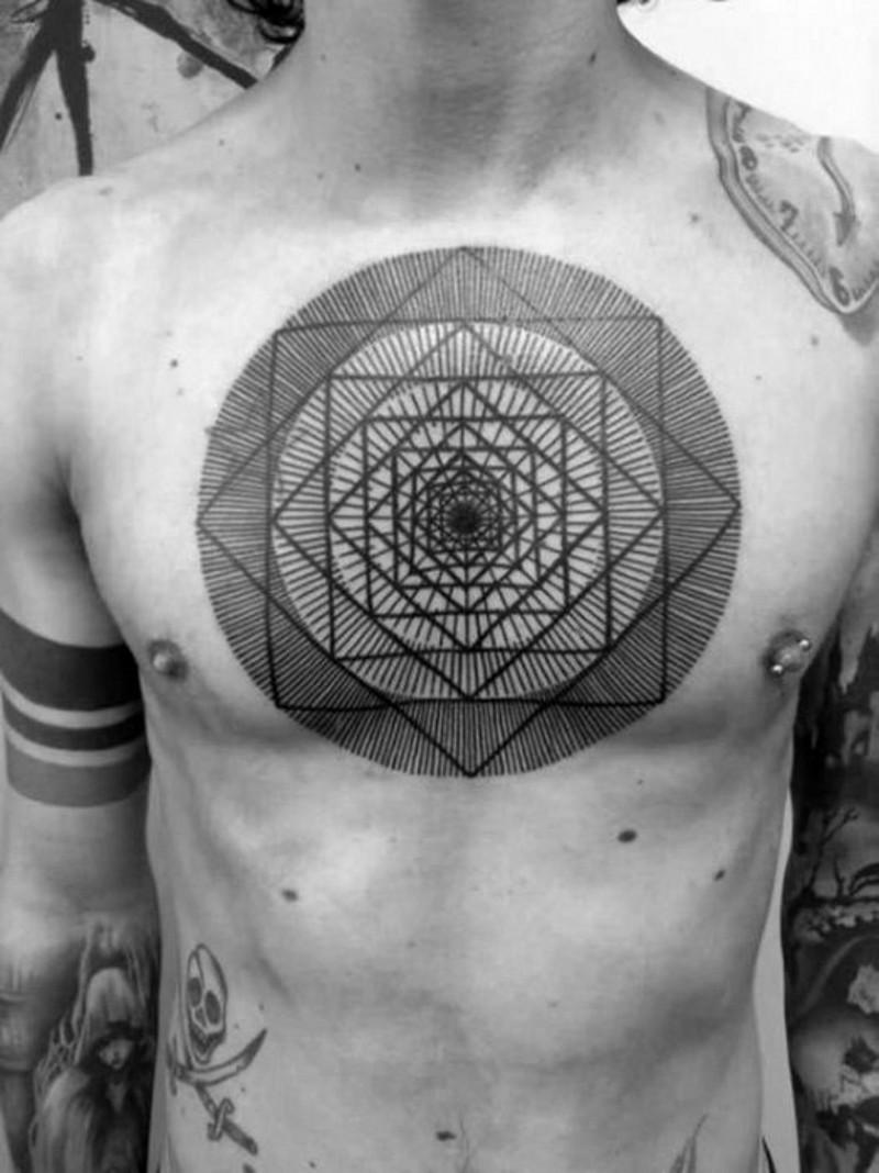 ipnotico bello nero e bianco figure tatuaggio su petto