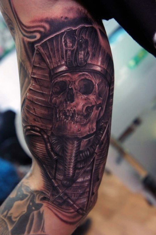 Illustrative style colored biceps tattoo of Egypt statue