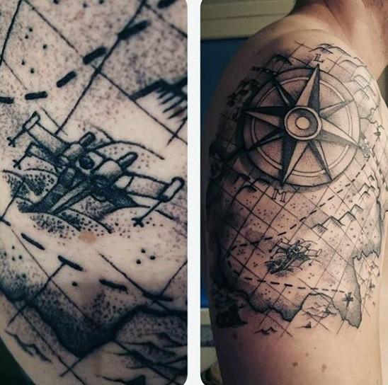 Interessante Kombinierte Schwarze Weltkarte Schulter Tattoo Mit