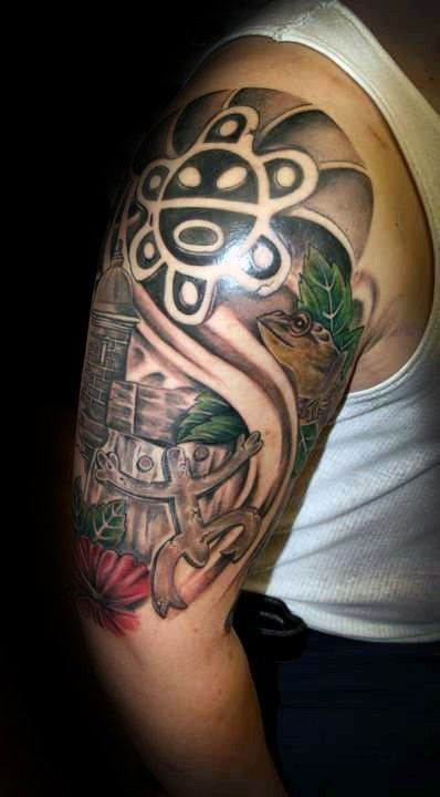 Large illustrative style ancient statues tattoo on shoulder with lizards
