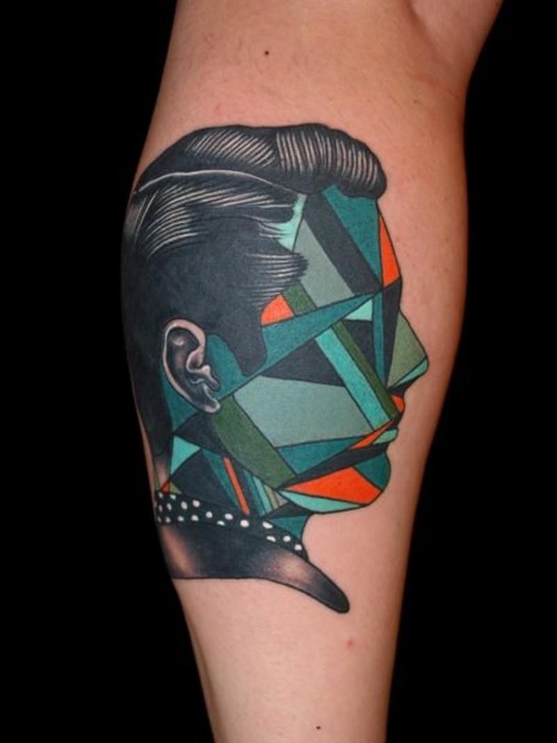 piccolo colorato geometrico ritratto senza volto tatuaggio su gamba