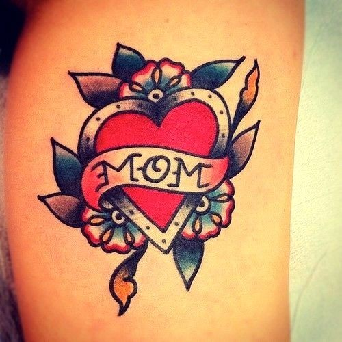 """Tatuaggio di vecchia scuola il cuore & &quotMOM"""""""