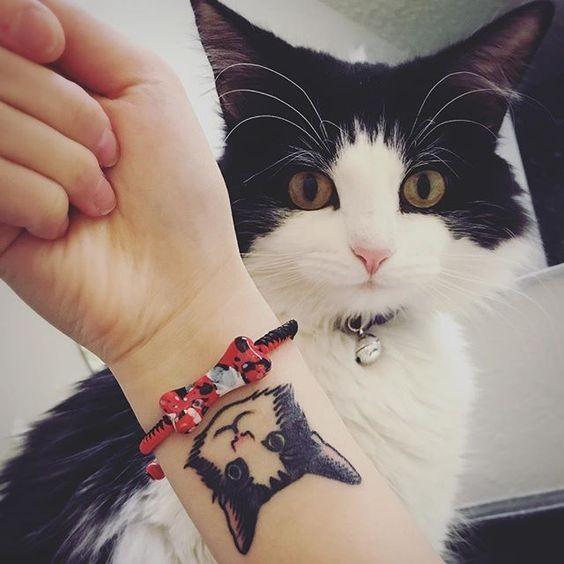 Lovely for girls tattoo of cat face
